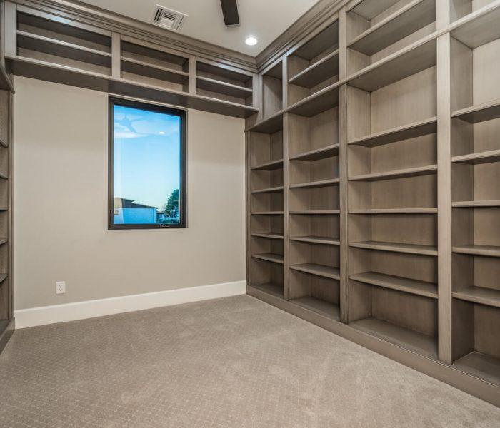 Bookcase013