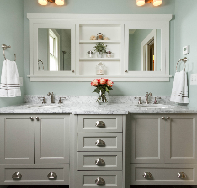 transitional style bathroom vanity in gray and white quartz