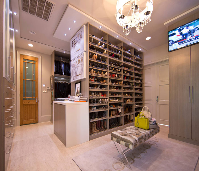 custom-closet-modern-two-tone-shoe-wall