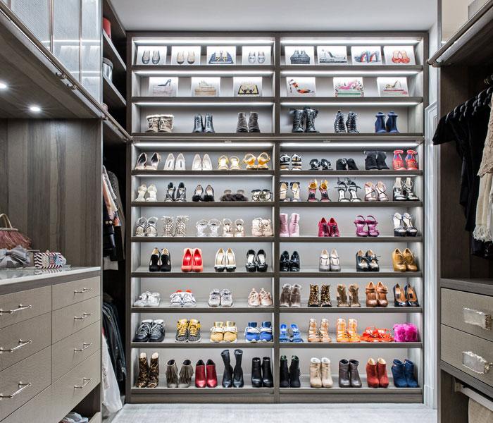 custom-closet-modern-two-toned-shelves