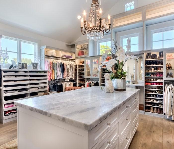 custom-closet-modern-white-drawer-shelves