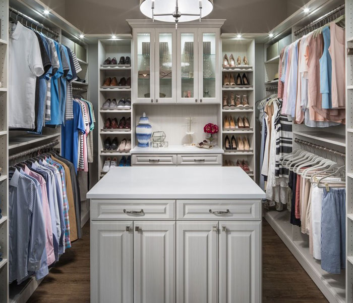 custom-closet-traditional-all-white-island-quartz