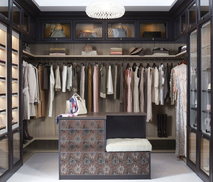 custom-closet-traditional-light-dark-paint