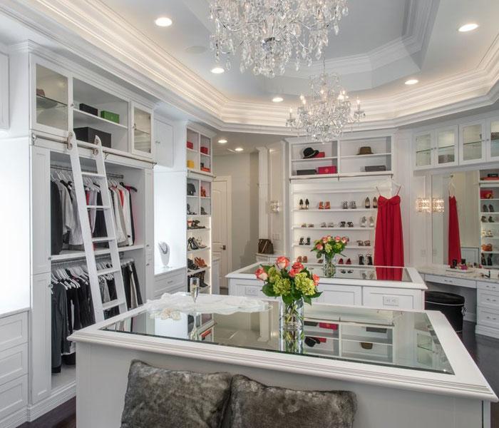 custom-closet-traditional-white-islands-ladder