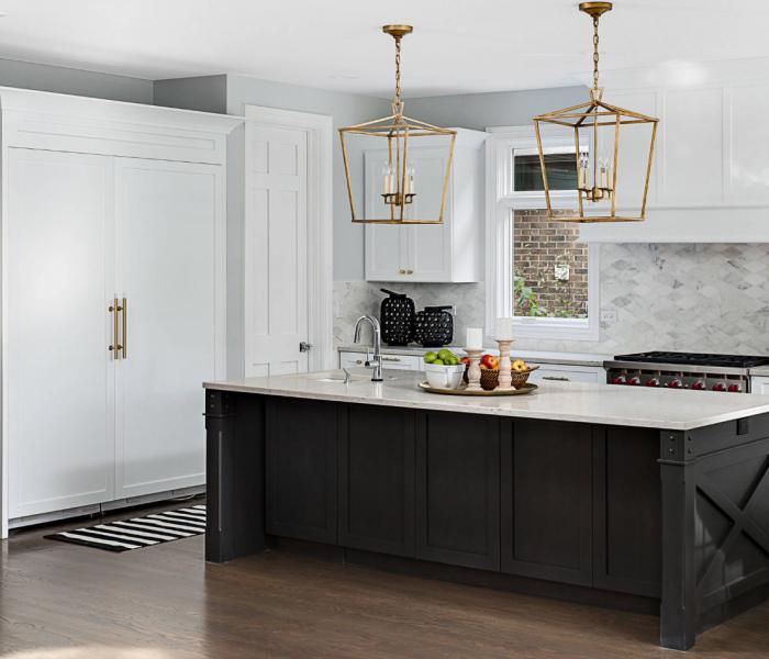 custom-kitchen-modern-transitional-black-white