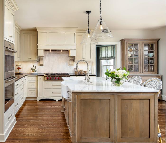 custom-kitchen-traditoina-wood-stain-white-quartz-countertops