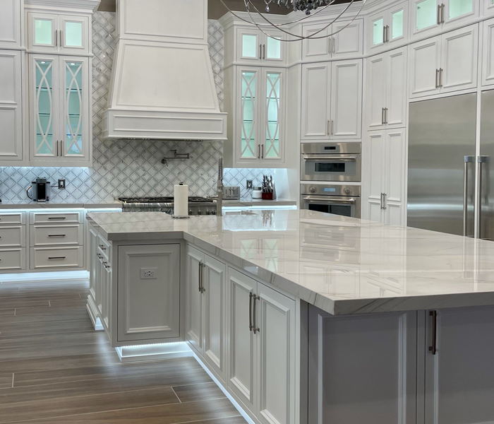 custom-traditional-white-kitchen-island