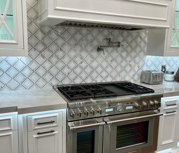 custom-traditional-white-kitchen-range
