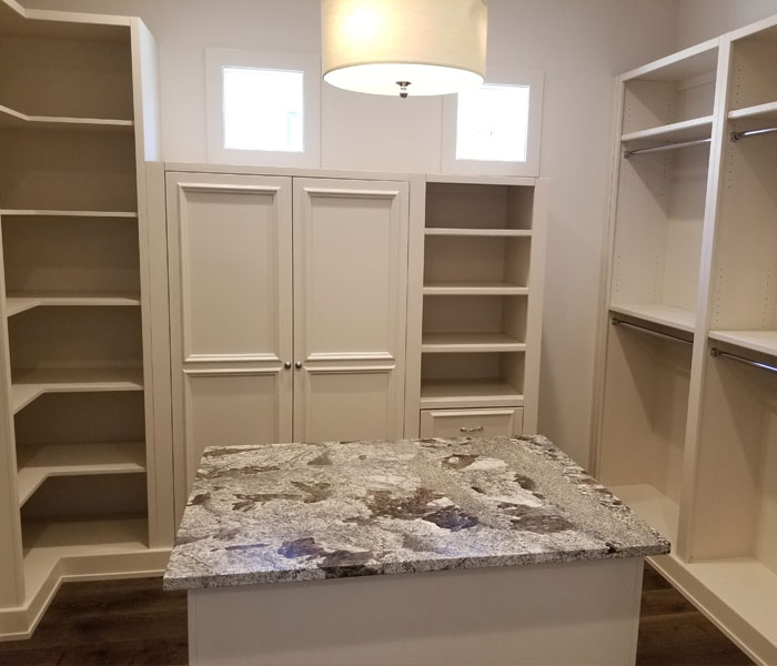 pecan-custom-closet