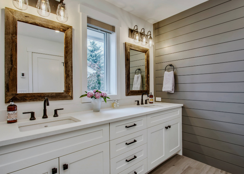 shiplap-accent-wall-gray-bathroom
