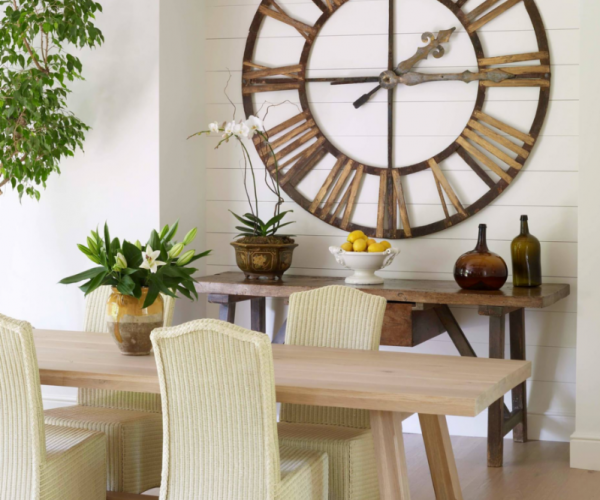 shiplap-dining-nook-white-wood-table