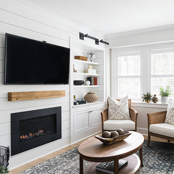 shiplap-living-room-mediawall-fireplace-white-shaker-feature